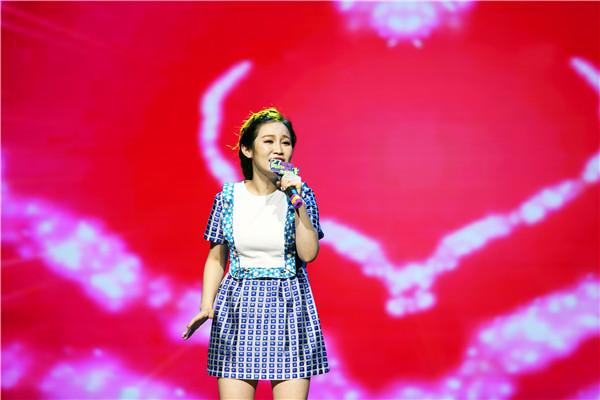 她是中国好声音学员萱萱图片