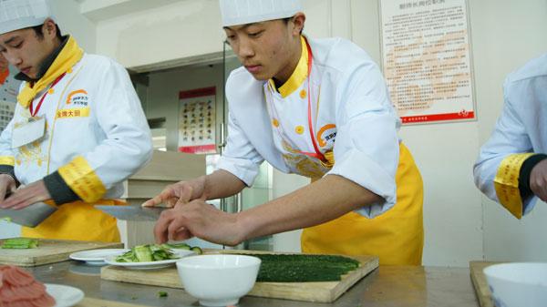 当兵和做西餐厨师哪个更有前途?