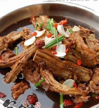 羊肉火锅的做法-成都新东方烹饪学校