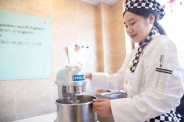 沈阳新东方烹饪学校西点培训